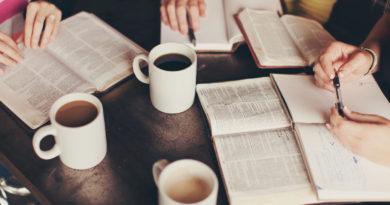 Интерактивни групи за проучување на Библијата
